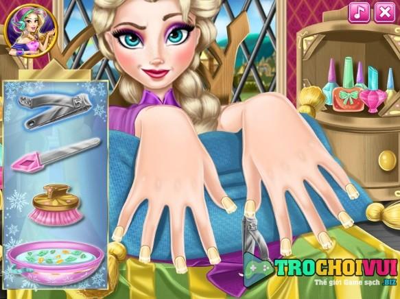 game Lam mong tay cho Elsa y8