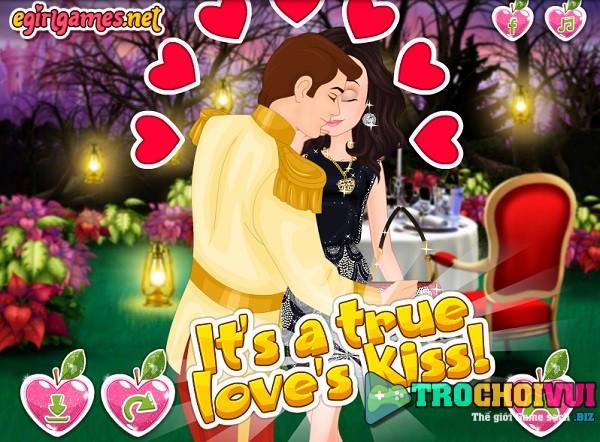 game Nu hon cua Bach Tuyet 24h y8 online