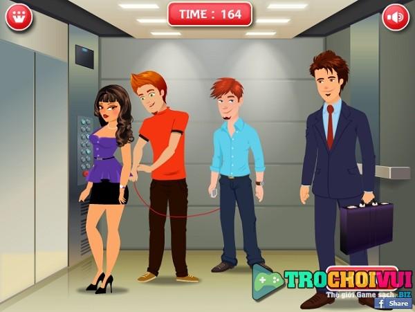 game Choc pha trong thang may hinh anh 2